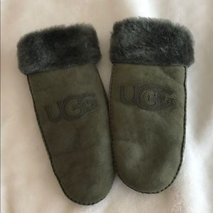 Olive Green Ugg Mittens